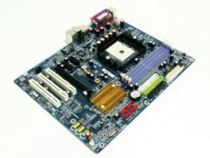 GigaByte GA-K8NE (DDR 1)